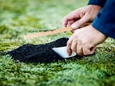 Gemeenten: 'Voldoende actie tegen verspreiding rubber korrels van kunstgrasvelden'