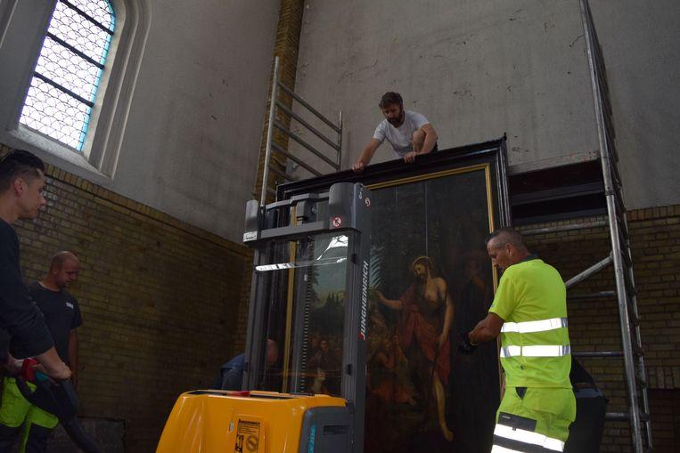 Het schilderij werd weggehaald uit de Heilig Hartkerk.