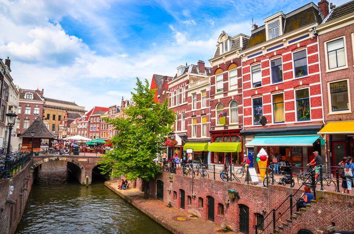 Boetiekjes langs de Oudegracht in Utrecht