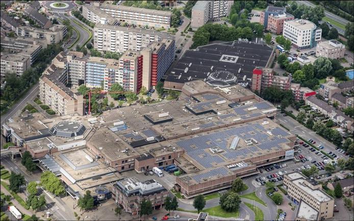Winkelcentrum Kronenburg heeft op het dak 2.140 zonnepanelen.