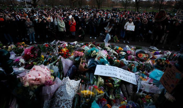 Londenaren delen hun verdriet om de dood van Sarah.