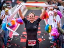 Triatlete Maya Kingma nadert de wereldtop: 'Wow. Mijn eerste medaille in de WK-series'
