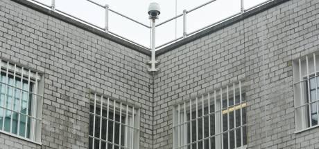 Grote zorgen bij gedetineerden om corona; Middelburgse advocaat pleit voor vrijlaten kortgestraften