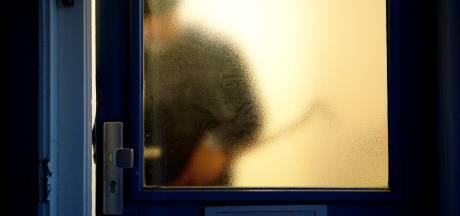 Brutale diefstal in Teuge: politie op zoek naar daders die zitmaaier en elektrische fietsen ontvreemdden