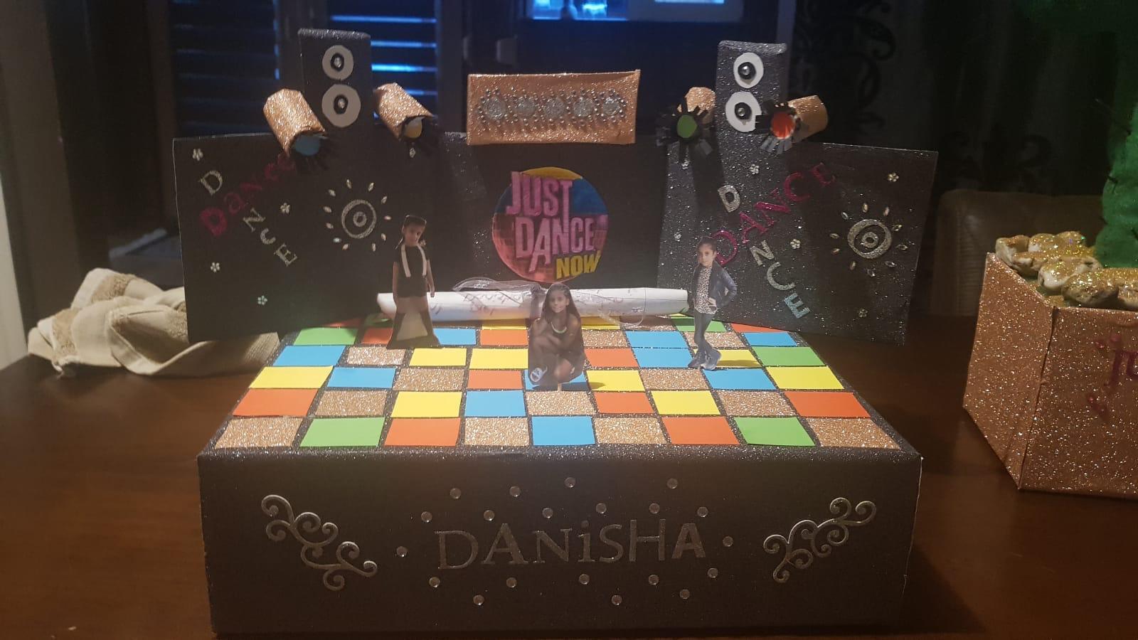 Sint-surprise: Danspodium voor Danisha, gemaakt door Demiano