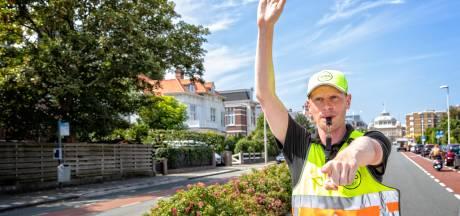 Voor tientje per uur parkeren op Scheveningen! 'Wel in woonwijk, niet aan haven of boulevard'