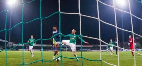 Sam (FC Eindhoven) helpt ook nieuwe familie: 'Mijn mama is denk ik het meest trots'