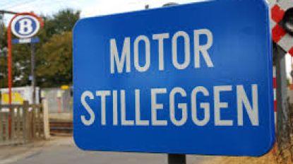 Komt er aan de overwegen signalisatie om motor stil te leggen? Sanne Vantomme (N-VA) doet voorstel