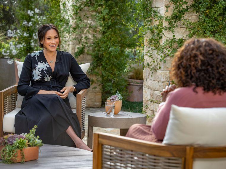 Meghan Markle geeft een interview aan Oprah Winfrey over de breuk met het Britse koningshuis. Het interview is vanavond op  de Nederlandse televisie te zien. Beeld AP