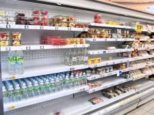 Des rayons vides dans de nombreux supermarchés anglais après une épidémie de cas contacts