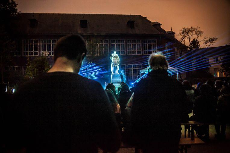 Het publiek tijdens het lanceringsmoment in de Kruidtuin Beeld Lilith Geeraerts
