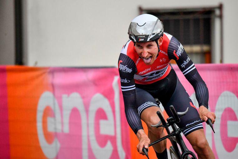Bauke Mollema tijdens de tijdrit in de negende etappe van de Ronde van Italië.  Beeld AP