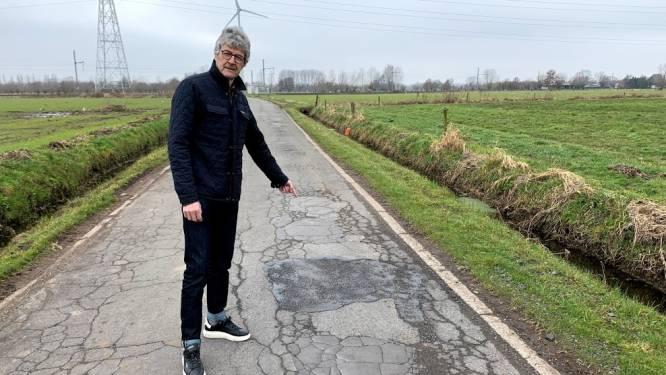 """Waterstraat in slechte staat: """"Nog dit jaar nieuwe asfaltlaag"""""""
