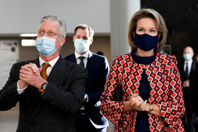 Le roi Philippe et la reine Mathilde à l'hôpital d'Alost Onze-Lieve-Vrouw ce mercredi.