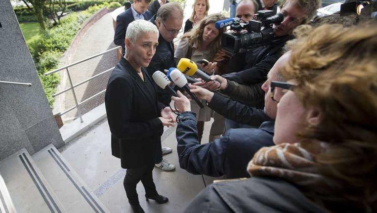 Staatssecretaris Wilma Mansveld (Spoor) staat de pers te woord over de Fyra. Beeld null