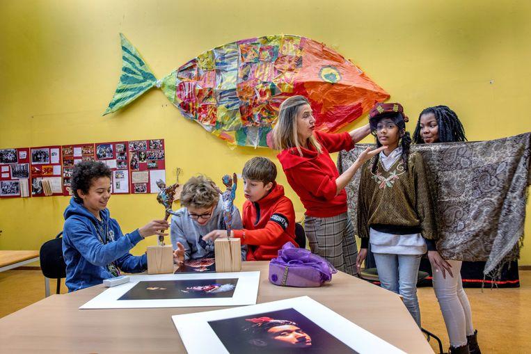 De Rode Loper op School organiseert sinds 2000 een grote verscheidenheid aan cultuureducatieve programma's voor het primair onderwijs in Amsterdam Oost.  Beeld Jean-pierre Jans