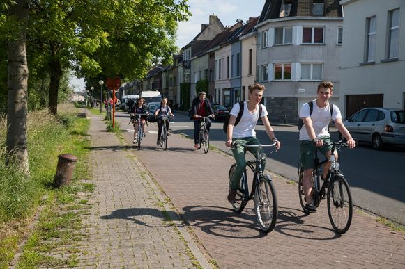 De Groendreef is in Gent een van de twee veilige invalswegen voor fietsers.