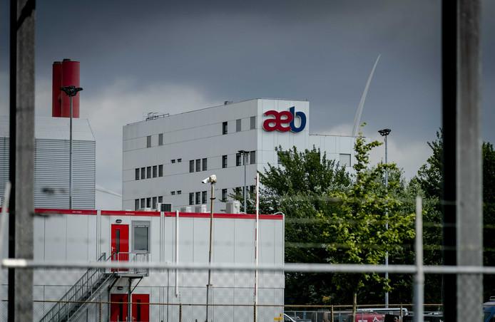 De gemeente wil het Amsterdamse Afval Energie Bedrijf (AEB) verkopen.