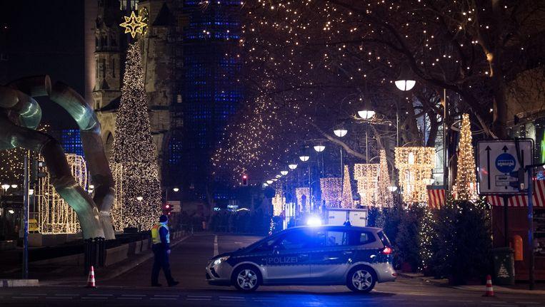 Bij de aanslag op een Kerstmarkt in Berlijn maandagavond zijn zeker twaalf mensen omgekomen Beeld EPA