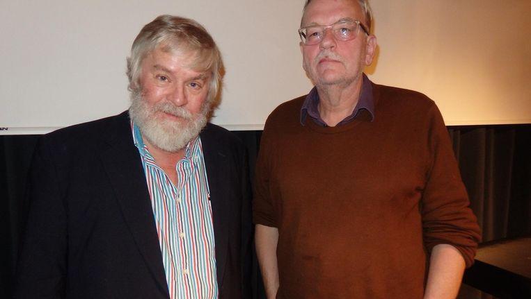 Uitgever Kees de Bakker (Conserve): 'Een wereldprimeur, hè.' Met schrijver Bart Luirink, die ook speechte over Zuid-Afrika, lang en degelijk Beeld Schuim