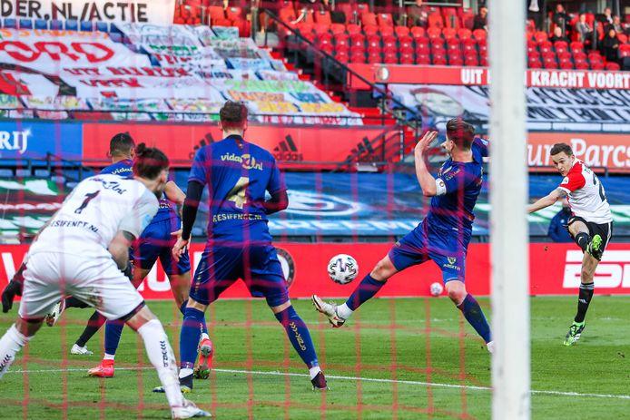 De kanonskogel van Jens Toornstra die de 4-0 betekende voor Feyenoord.
