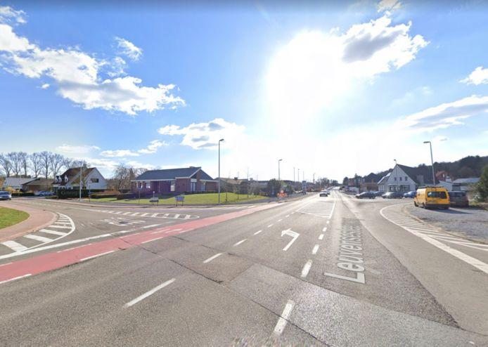 Het kruispunt Leuvensesteenweg/ Pastoor Dergentstraat/ Begijnendijksesteenweg in Aarschot.