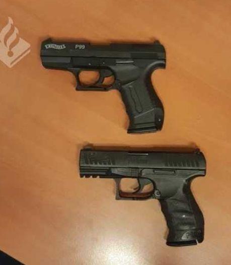 Politie houdt minderjarige jongens onder schot in Dronten: nepwapen gevonden