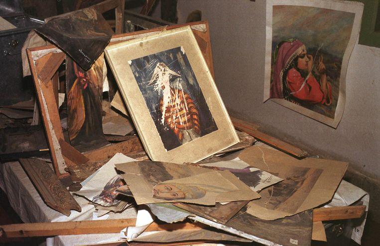 Tijdens het oude regime van de taliban gold ook een verbod op alle kunstvormen. Vele kunstwerken werden vernield door de taliban of door de kunstenaar zelf uit angst voor straffen.  Beeld Getty Images