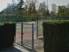 Tennisvereniging Almkerk tijdelijk naar ijsbaan en golfpark