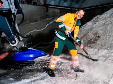 Gerard (58) zorgt ervoor dat jij in de winter veilig de weg op kan: 'Een verantwoordelijke taak'