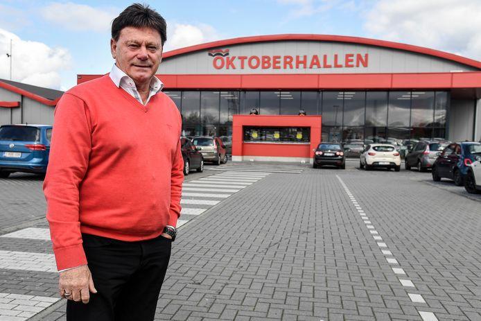 """Gilbert Van Brempt, uitbater van de Oktoberhallen van Wieze, steekt samen met zijn dochter Silvia de teleurstelling niet onder stoelen of banken: """"We vinden dit een gemiste kans."""""""
