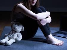 Zes dochters beschuldigen vader (62) van tientallen jaren verkrachting