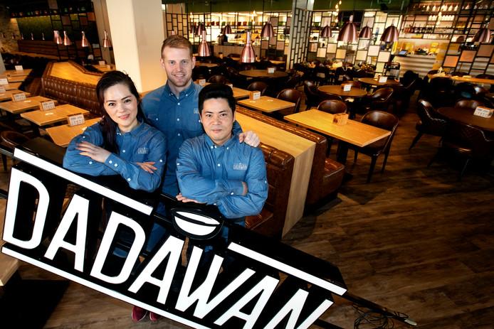 Aiju Deng (directielid), Paul Seijben (bedrijfsleider) en  Alex Deng (keuken-management) van Dadawan in Eindhoven.