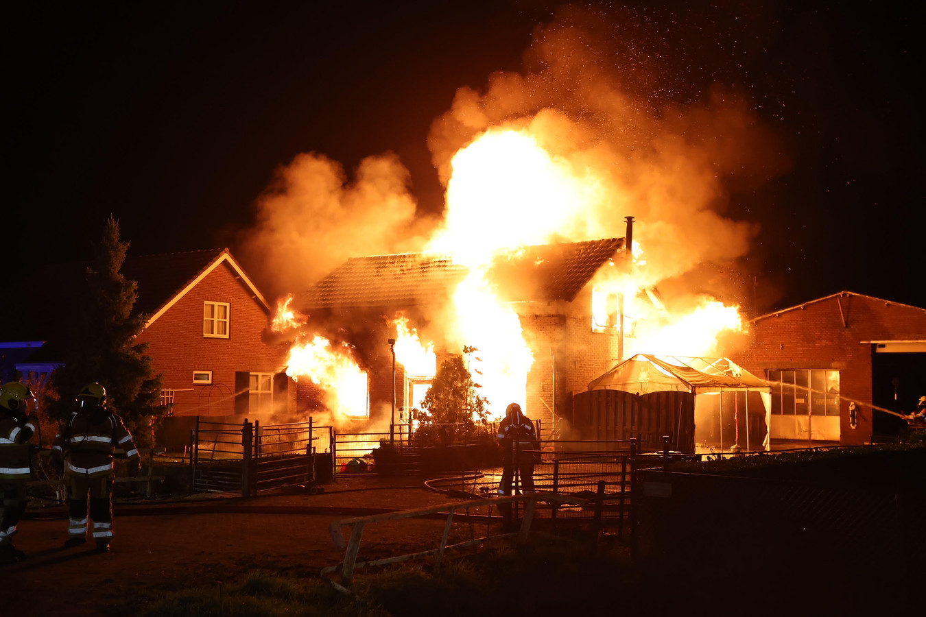 Grote brand in Hedel.