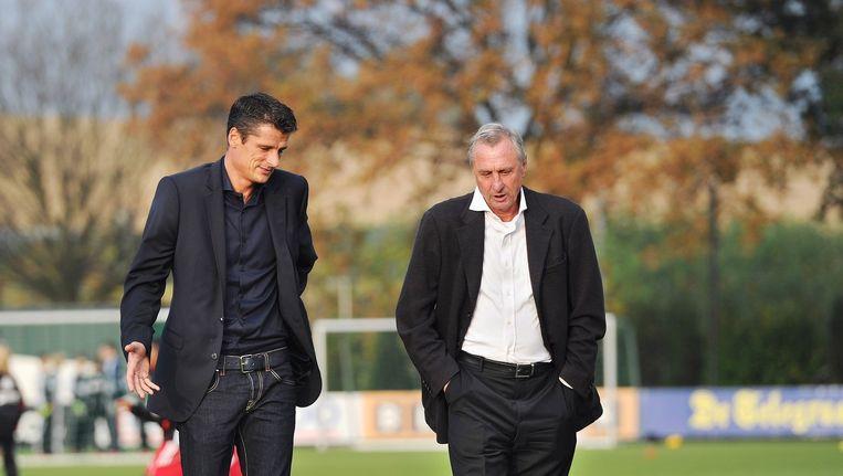 Wim Jonk (l) en Johan Cruijff. Beeld