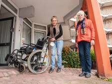 Oudere bewoners kunnen door verzakkingen hun huis niet meer in: 'De gemeente doet niks'