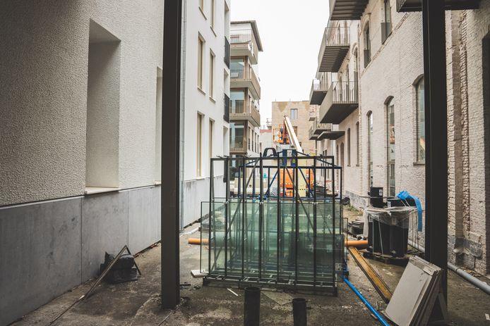 Op de terreinen van de oude brandweerkazerne wordt een nieuwe woonwijk opgetrokken. Die werken hoeven niet te worden stilgelegd.