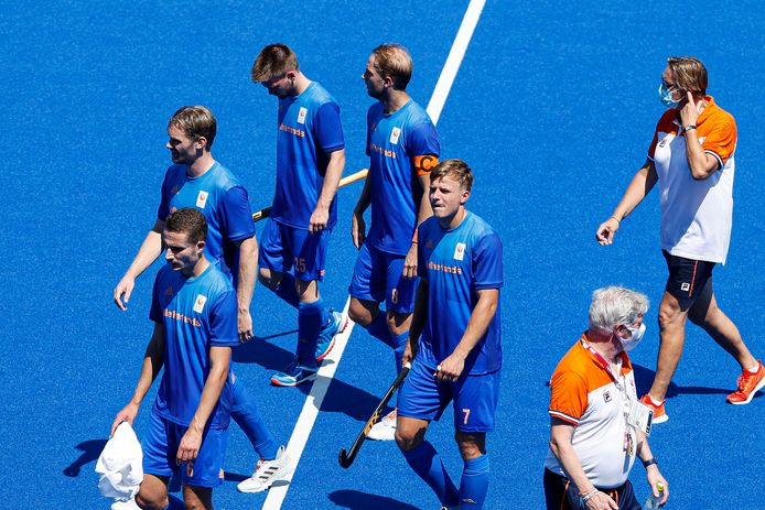 Teleurstelling bij de Nederlandse hockeyers na de uitschakeling door Australië.