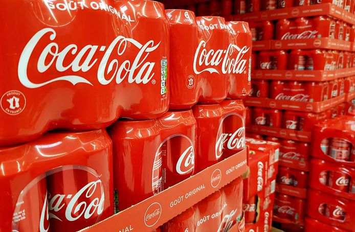 Le chiffre d'affaires du distributeur de Fanta, Sprite, Minute-Maid et Powerade a plongé de 28% à 7,15 milliards de dollars (6,71 milliards de francs) au deuxième trimestre, selon un communiqué publié mardi.