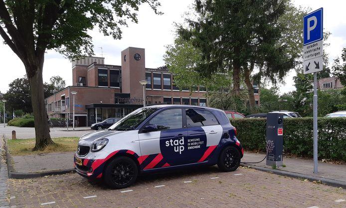 In 2025 zouden er in Enschede al meer dan 500 laadpalen kunnen zijn.