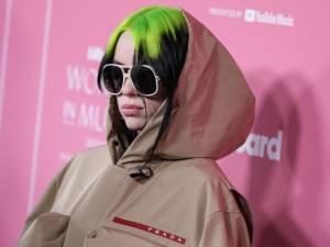 """Son changement de look lui a coûté plus de 100.000 abonnés: """"Les gens ont peur des gros seins"""""""