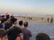 Afghaanse Nederlanders kunnen evacuatievliegtuig Kaboel niet bereiken: 'We worden beschoten'