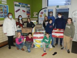 Leerlingen VBS Nazareth zamelen voedsel in voor kansarmen