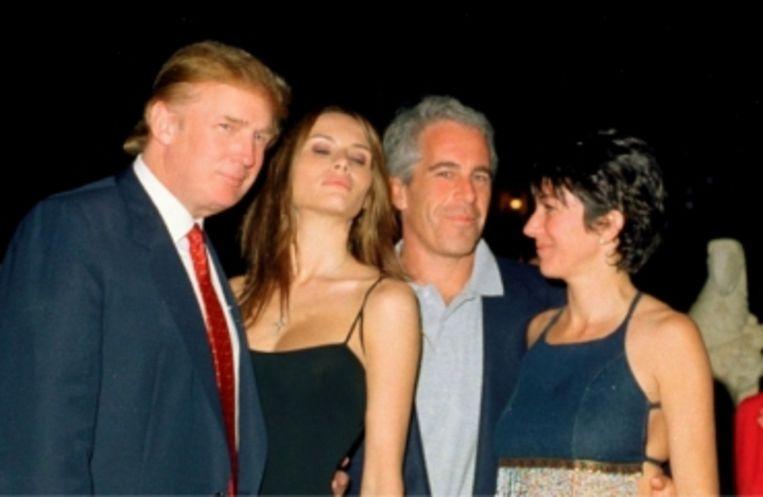 'Donald Trump: 'Epstein was een man die van vrouwen hield.' (Foto: Trump met echtgenote Ivana naast Jeffrey Epstein en Ghislaine Maxwell.)' Beeld