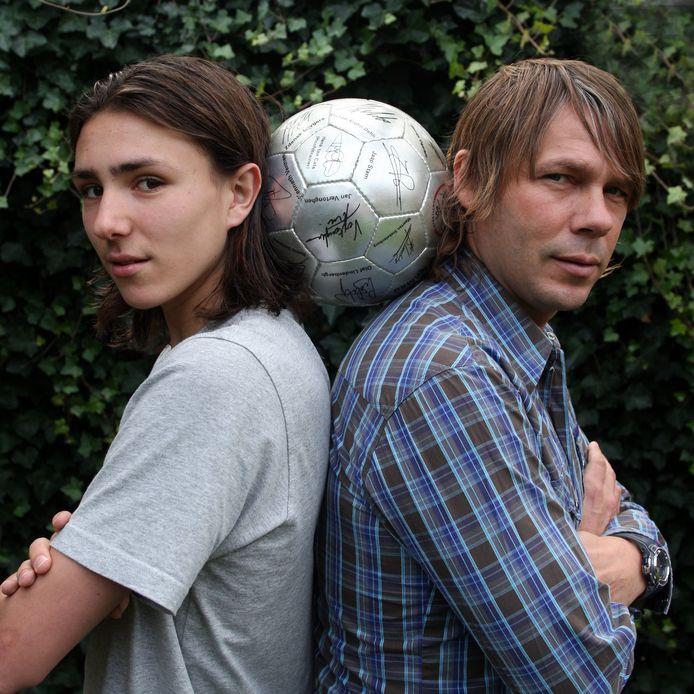 Steven en Frank Berghuis (2007) speelden in hun carrière beide als buitenspeler voor VVV.