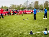 VIDEO: Fox Sports voetbalclinic in Tilburg trekt 400 kinderen