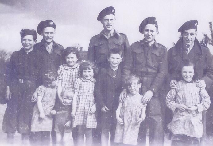 Mariniers in opleiding in Volkel, in 1946-1947.