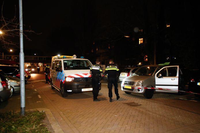 Het slachtoffer werd aangetroffen in zijn auto.
