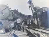 Hoe een goederentrein vlakbij Woerden met volle snelheid op gekantelde wagons klapte