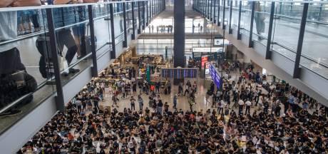 Protest Hongkong verplaatst naar internationaal vliegveld
